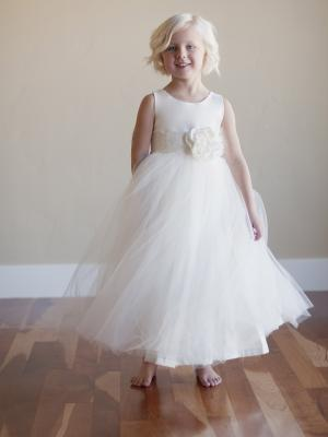 a flower girl dress in a vintage style for bridesmaids and flower girls