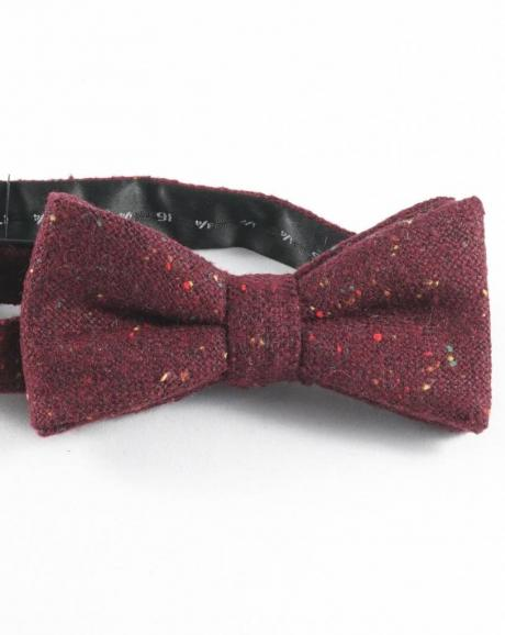 Wool bow tie for grooms, pagesboys and groomsmen in burgundy wool which is pretied