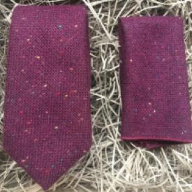 Maroon flecked wool necktie and pocket square set for weddings and groomsmen gifts